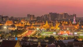 Belle scène de Wat Phra Kaew au crépuscule images stock