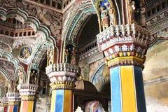 Belle sculture nel corridoio dharbar del corridoio di ministero del palazzo di maratha del thanjavur Fotografia Stock
