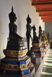 Belle statue de Bouddha dans le temple Bangkok Thaïlande Photographie stock libre de droits