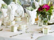 Belle table de positionnement pour une réception Images stock