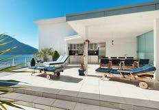 Belle terrasse d'un appartement terrasse Photo stock
