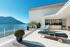 Belle terrasse d'un appartement terrasse Images stock
