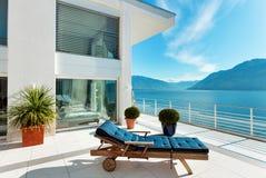 Belle terrasse d'un appartement terrasse Image libre de droits