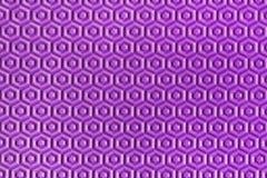 Belle texture hexagonale pourpre géométrique en gros plan Détails texturisés jouants mous pourpres de nid d'abeilles de tapis Photographie stock libre de droits