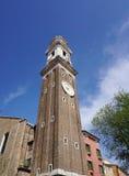 Belle tour d'horloge d'Orologio Venise de ` de vallon de Torre à Venise Images stock