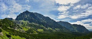 Belle vallée de Mengusovska dans haut Tatras image libre de droits