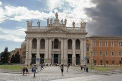 Belle vecchie finestre a Roma (Italia) Archbasilica papale di St John nel Lateran Fotografie Stock Libere da Diritti