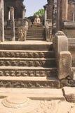 Belle vecchie scala antiche in tempio di hinduist Immagini Stock Libere da Diritti