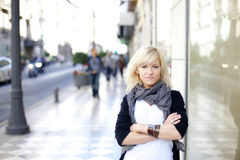 Belle verticale blonde Photographie stock