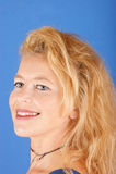 Belle verticale blonde de femme Images stock