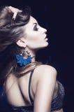 Belle verticale de femme de mode Photographie stock