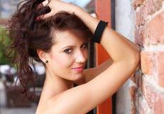 Belle verticale de jeune femme Image libre de droits