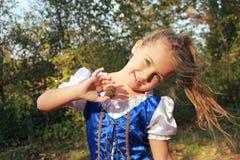 Belle verticale de petite fille Photographie stock