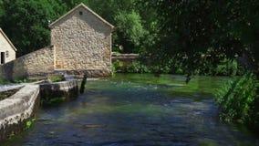 Belle vidéo de nature et de paysage avec le bruit du parc national Croatie de Krka clips vidéos