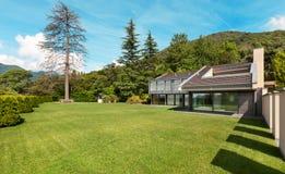 Belle villa, extérieure Photos libres de droits