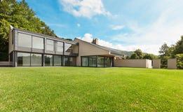 Belle villa, extérieure Photographie stock libre de droits