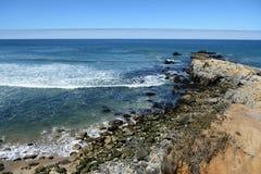 Belle viste di oceano lungo la costa del Pacifico, CA, U.S.A. Fotografie Stock Libere da Diritti