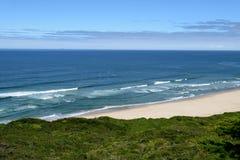 Belle viste di oceano lungo la costa del Pacifico, CA, U.S.A. Fotografie Stock