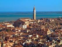 Belle vue aérienne au-dessus des toits de Venise photo libre de droits