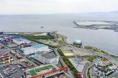 Belle vue aérienne du paysage urbain de port d'Osaka Photos stock