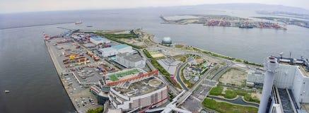 Belle vue aérienne du paysage urbain de port d'Osaka Photo stock