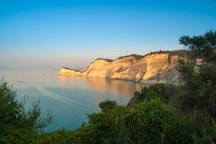 Belle vue d'amour de canal de cap Drastis Sidari, Corfou Photographie stock libre de droits