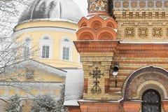 Belle vue d'hiver de cathédrale de Peter et de Paul en parc, Gomel, Belarus Photo libre de droits