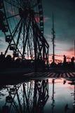 Belle vue d'une grande roue grande à Marseille, France le soir photo stock