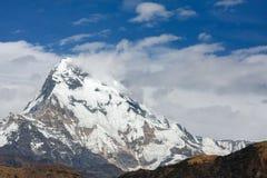 Belle vue de chaîne d'Annapurna, montagnes de l'Himalaya, Népal Photographie stock