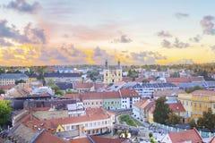 Belle vue de l'église de Minorit et du panorama de la ville d'Eger, Hongrie Images stock