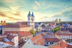 Belle vue de l'église de Minorit et du panorama de la ville d'Eger, Hongrie Image libre de droits