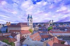 Belle vue de l'église de Minorit et du panorama de la ville d'Eger, Hongrie Image stock
