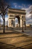 Belle vue de l'Arc de Triomphe, Paris Photographie stock