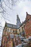 Belle vue de la cathédrale à Haarlem, Hollande Image stock