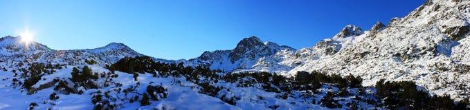 Belle vue de la crête de Bucura 2 en montagnes de Retezat, Roumanie Image stock