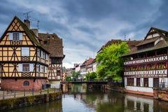 Belle vue de la ville historique de Strasbourg, hous coloré image libre de droits