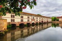 Belle vue de la ville historique de Strasbourg, hous coloré photographie stock libre de droits
