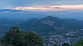 Belle vue de lever de soleil à la colline de broga, Malaisie Image stock