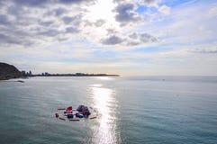 Belle vue de lever de soleil de la plage et de château SA d'Alicante Postiguet Photographie stock