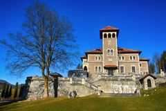 Belle vue de palais de Cantacuzino, Busteni, vallée de Prahova, Roumanie photo libre de droits