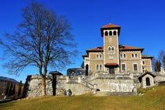 Belle vue de palais de Cantacuzino, Busteni, vallée de Prahova, Roumanie photographie stock