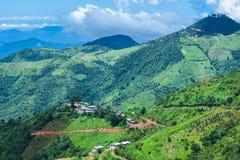Belle vue de paysage avec les montagnes vertes de Kalaw, Shan State, Myanmar Image stock