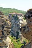 Belle vue de paysage des monastères étonnants sur le dessus des montagnes et des roches dans Meteora, Grèce photo stock