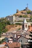 Belle vue de Pennabilli, petit comune en Italie Images stock