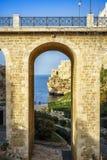 Belle vue de Polignano, Pouilles, Italie photos libres de droits