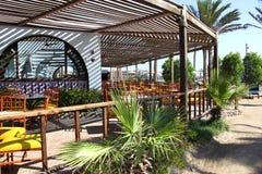 Belle vue de restaurant de plage en Maldives Photographie stock libre de droits