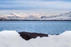 Belle vue de saison d'hiver de l'Islande Photographie stock libre de droits