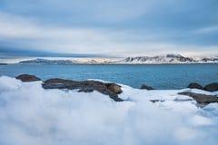 Belle vue de saison d'hiver de l'Islande Photos stock