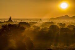 Belle vue de surise de paysage dans myanmar bagan photo libre de droits