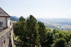 Belle vue de tour de château de vallée second Photo libre de droits